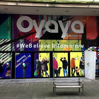 Tijdelijke bestickering Oyaya Antwerpen