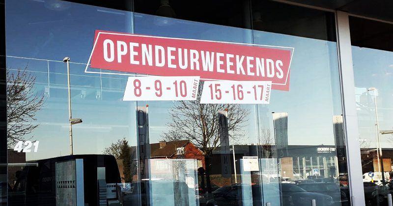 opendeur stickers Wommelgem